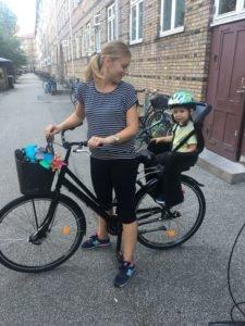 Katka a Miško na bicykli v Kodani